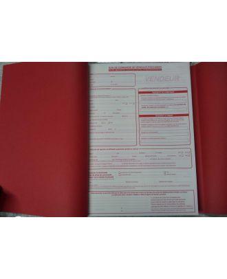 Ouverture d'un carnet autocopiant A4 quadruplicata personnalisé avec couverture enveloppante